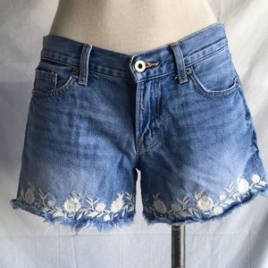 Lucky brand embroidered jean shorts Sz 4
